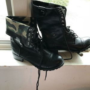 SODA combat boots! BRAND NEW NEVER WORN